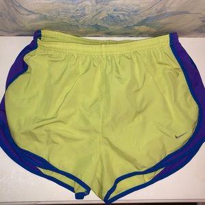 Nike Running Shorts (Size: L)